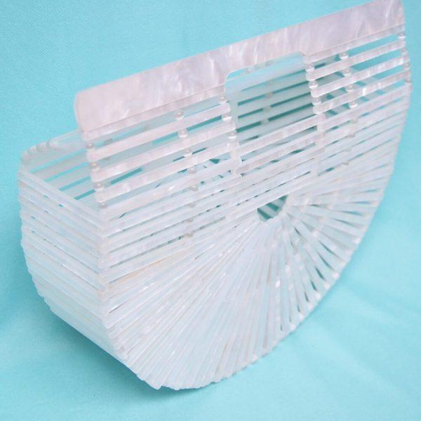 bolso acrílico blanco retro